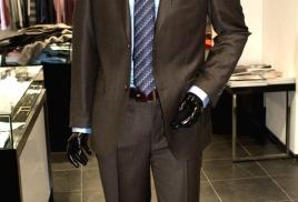 Химчистка делового костюма со скидкой 30% - 560 руб. за услугу. (до 9-ого июля)